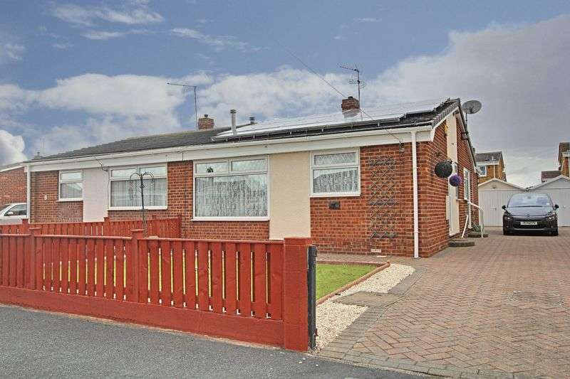 3 Bedrooms Semi Detached Bungalow for sale in Holcroft Garth, Hedon