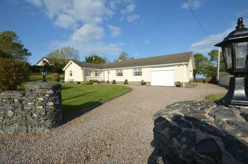 4 Bedrooms Detached Bungalow for sale in 92 Upper Mealough Road, Carryduff, BT8 8JA