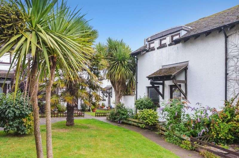 2 Bedrooms Semi Detached House for sale in NORTH HILL CLOSE BRIXHAM