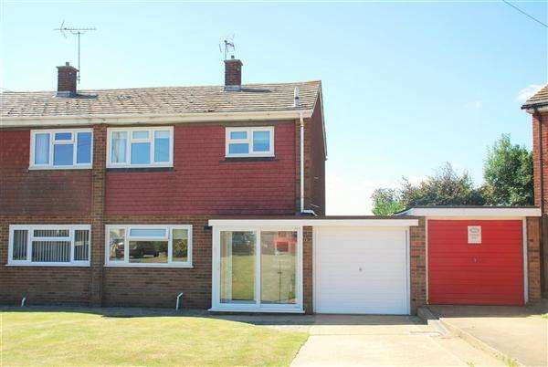 3 Bedrooms Semi Detached House for sale in QUEENSWAY, ALLHALLOWS