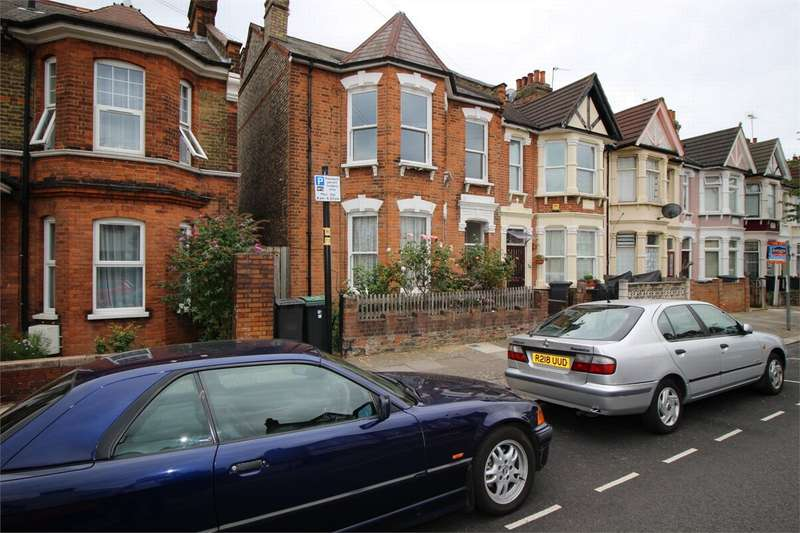 3 Bedrooms Flat for sale in Meads Road, London