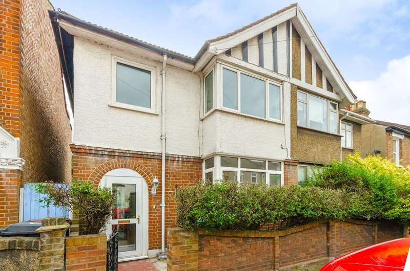 3 Bedrooms House for sale in Lancaster Road, Walthamstow, E17