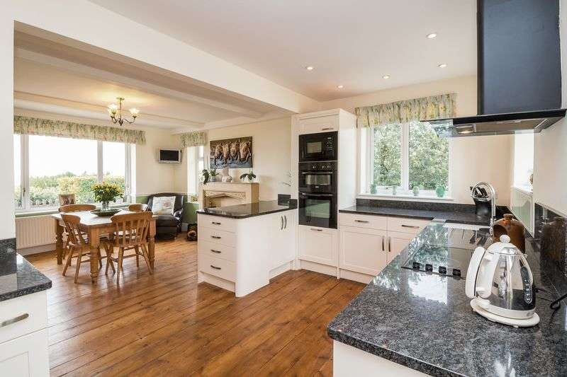 4 Bedrooms Detached House for sale in Morcombelake, Bridport