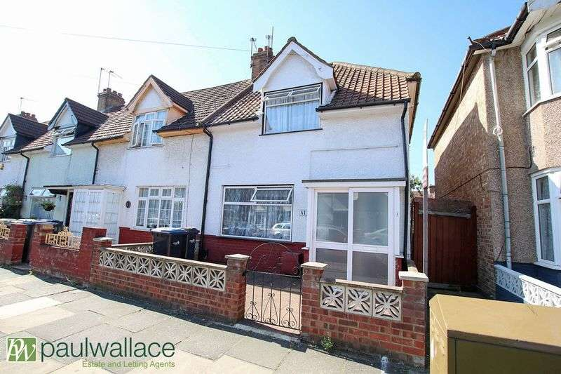 3 Bedrooms Terraced House for sale in Causeyware Road, London