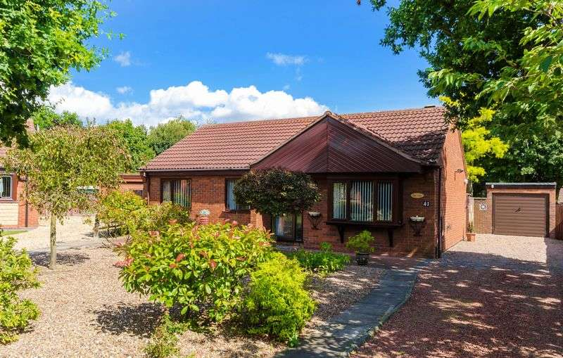 3 Bedrooms Detached Bungalow for sale in 41 Winthorpe Grove, Lincoln