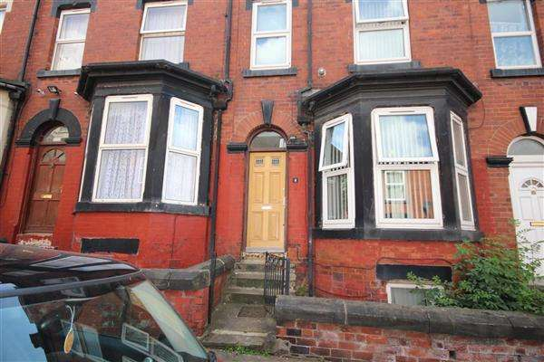 4 Bedrooms Terraced House for sale in Lascelles Terrace, Leeds