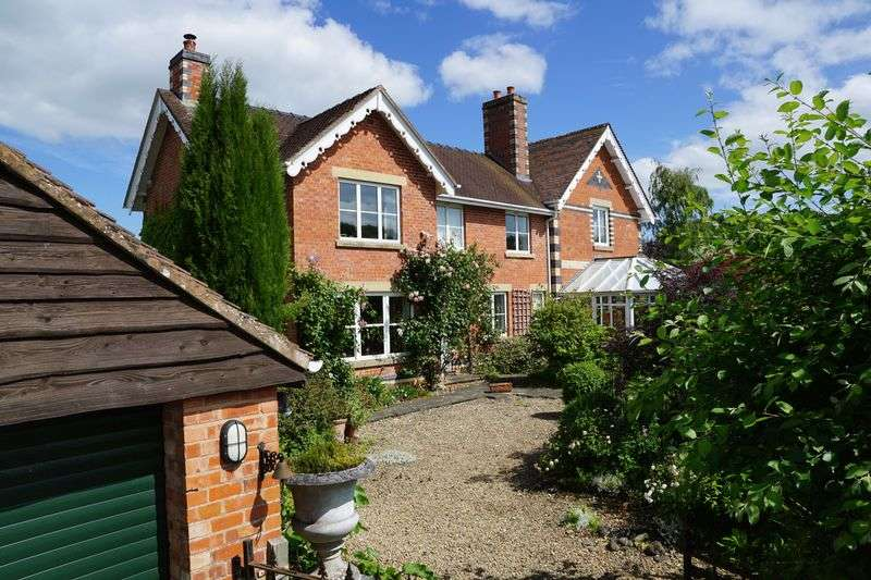 4 Bedrooms Detached House for sale in Bosbury, Ledbury