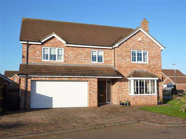 6 Bedrooms Detached House for sale in KEMPTON VALE, WHITEHALL COUNTRY PARK, CLEETHORPES