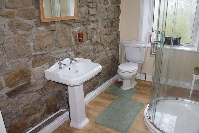 3 Bedrooms Terraced House for sale in Green Hill Road, Bacup