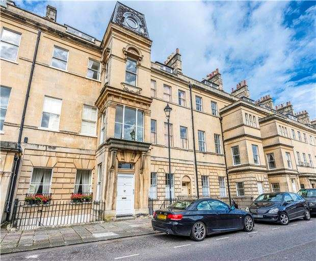 2 Bedrooms Flat for sale in Marlborough Buildings, BATH, Somerset, BA1