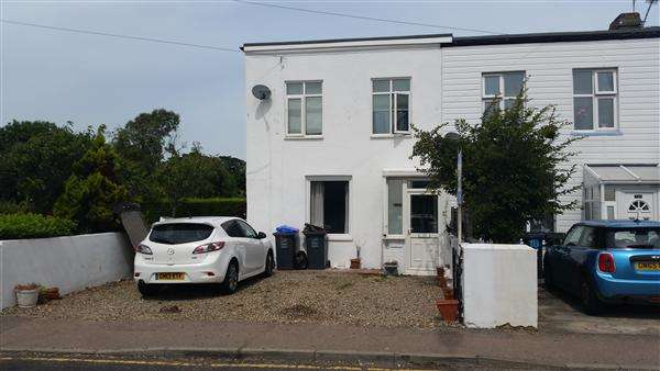 3 Bedrooms End Of Terrace House for sale in Minnis Road, Birchington