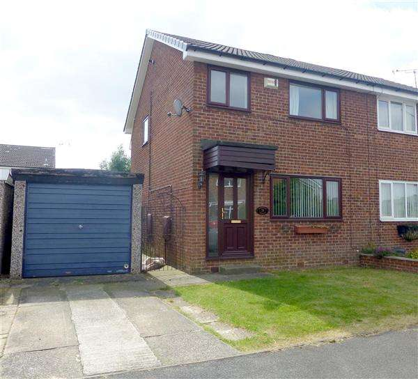 3 Bedrooms Semi Detached House for sale in Hawkshead Crescent, North Anston, Sheffield