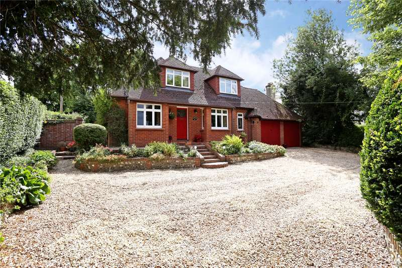 5 Bedrooms Detached House for sale in Basingstoke Road, Alton, Hampshire, GU34