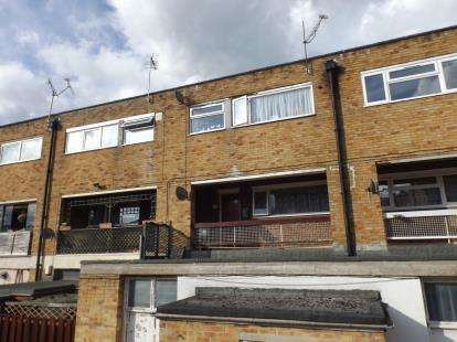 3 Bedrooms Maisonette Flat for sale in Forest Hills Drive, Southampton, Hampshire