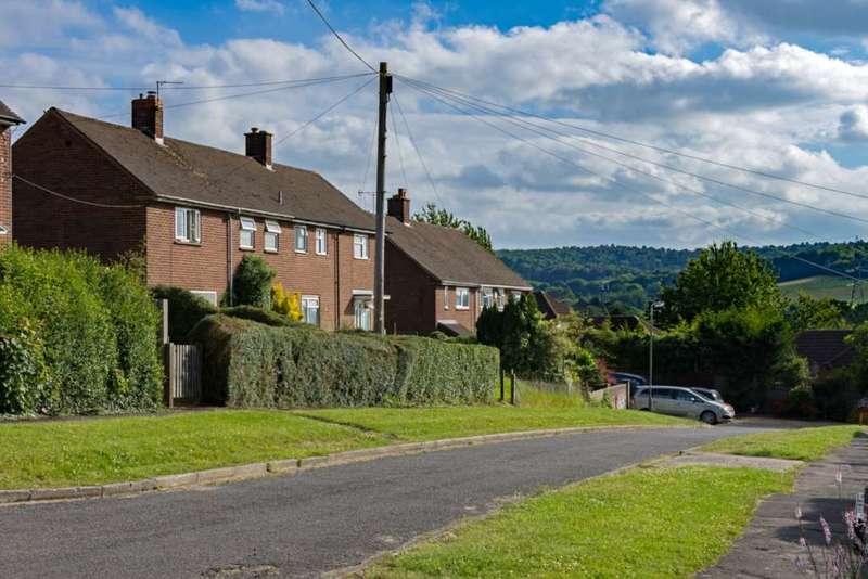 3 Bedrooms Semi Detached House for sale in Hampden Road, Wendover