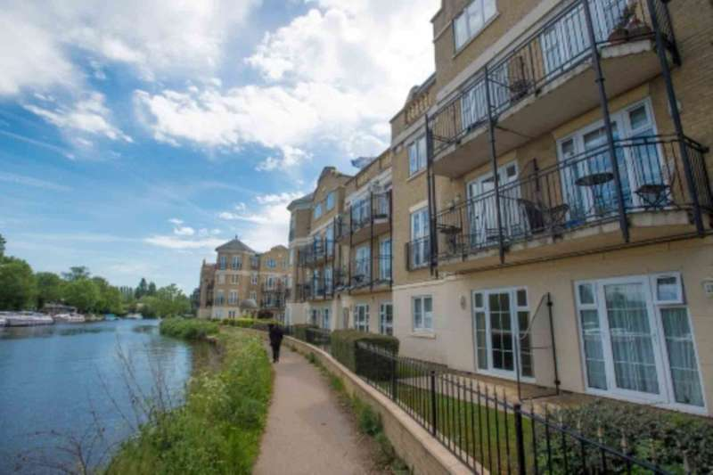 2 Bedrooms Serviced Apartments Flat for rent in Regents Riverside, Reading