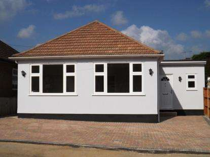 4 Bedrooms Bungalow for sale in Brentwood, Essex