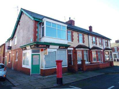 2 Bedrooms End Of Terrace House for sale in North Albion Street, Fleetwood, Lancashire, FY7