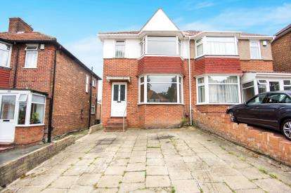 3 Bedrooms Semi Detached House for sale in Springfield Mount, Kingsbury, London, United Kingdom