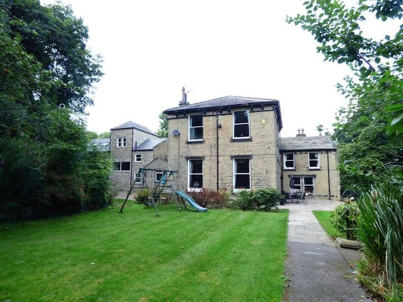 8 Bedrooms Property for sale in Cowrakes Road, HUDDERSFIELD, West Yorkshire, HD3