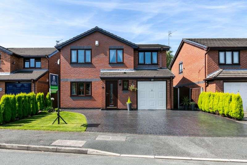 4 Bedrooms Detached House for sale in Holmwood Close, Ashton-in-Makerfield, WN4 9SJ