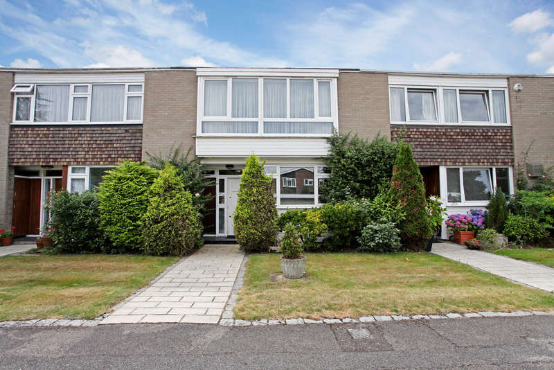 3 Bedrooms Terraced House for sale in Astor Close, Kingston Upon Thames, KT2