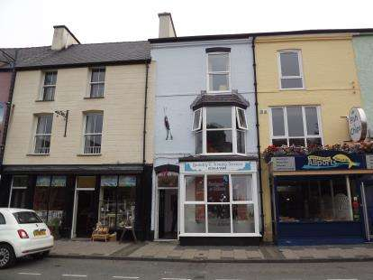 Retail Property (high Street) Commercial for sale in High Street, Llanberis, Caernarfon, Gwynedd, LL55