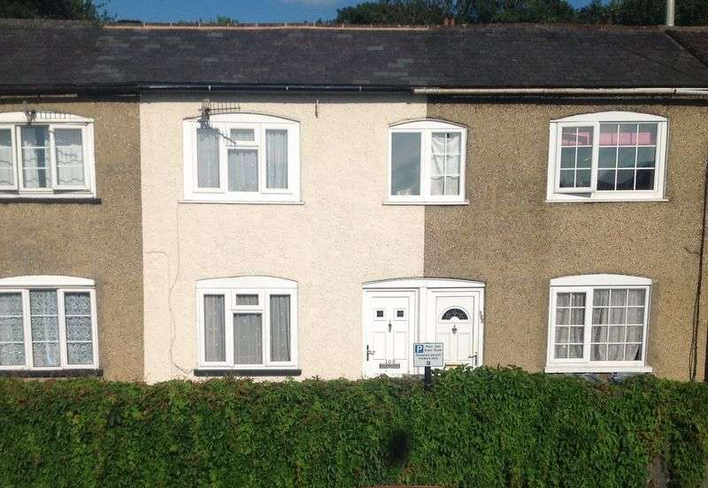 2 Bedrooms Terraced House for sale in Rampart Road, Salisbury