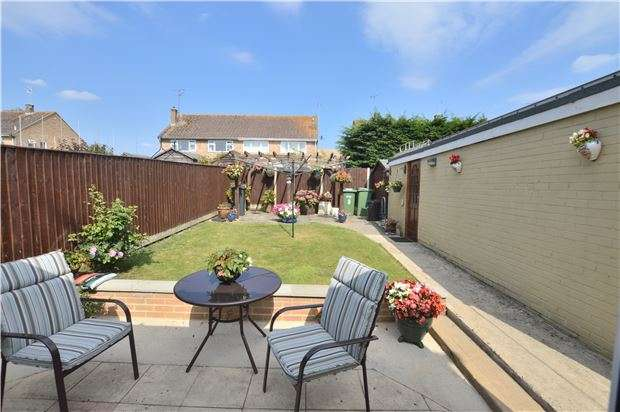 3 Bedrooms Semi Detached House for sale in Swallowcroft, Eastington, Stonehouse, Gloucestershire, GL10 3BH
