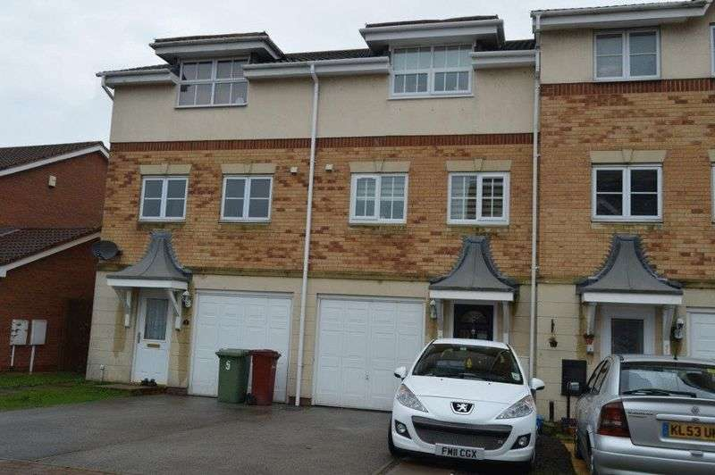 3 Bedrooms Terraced House for sale in Kingfisher Close, Scawby Brook