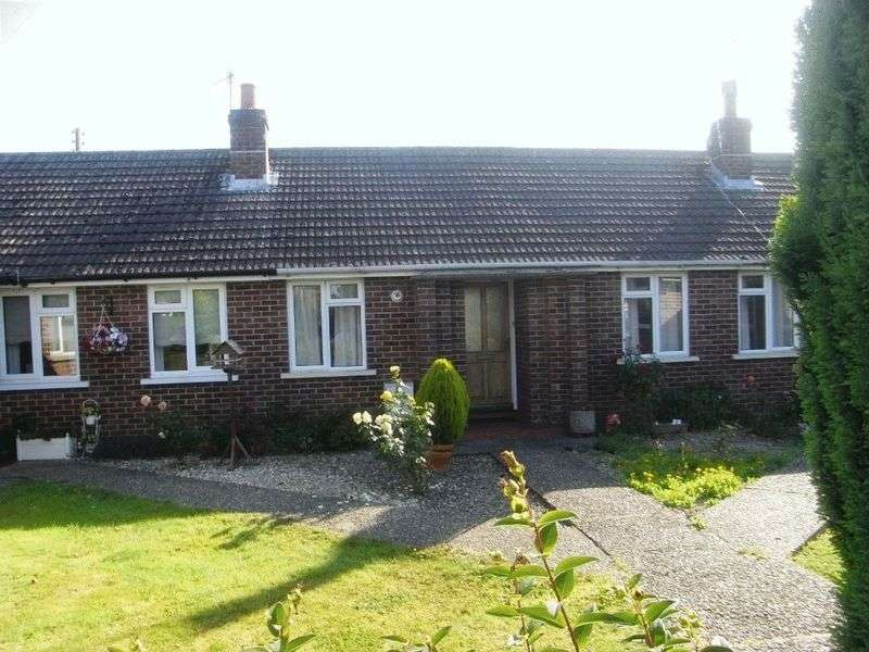 2 Bedrooms Bungalow for sale in Woodswater Lane, Beaminster