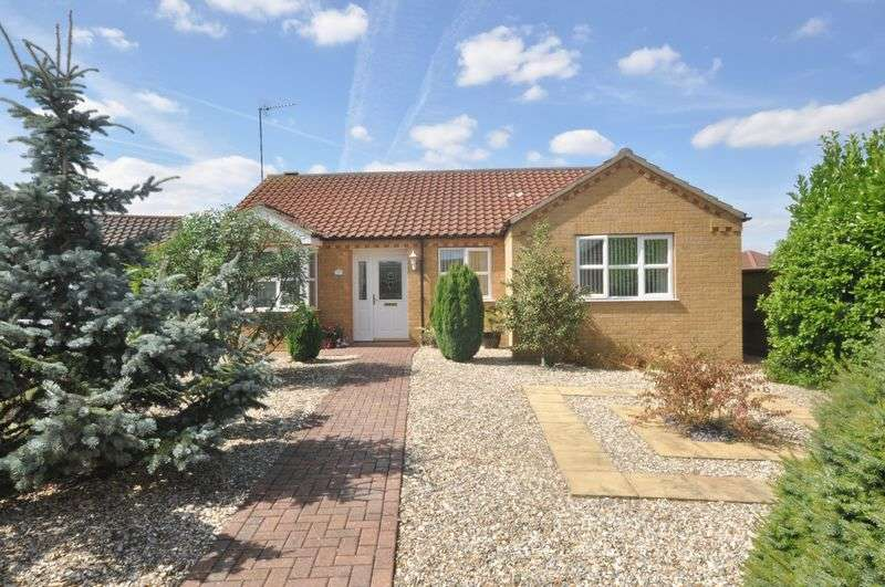 3 Bedrooms Detached Bungalow for sale in Heath Road, Navenby, Lincoln
