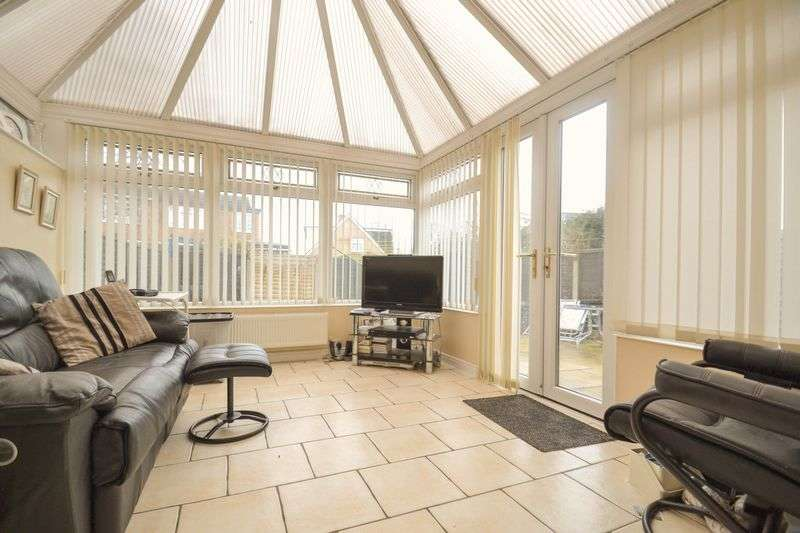 3 Bedrooms Semi Detached House for sale in Thornfield, Much Hoole, Preston