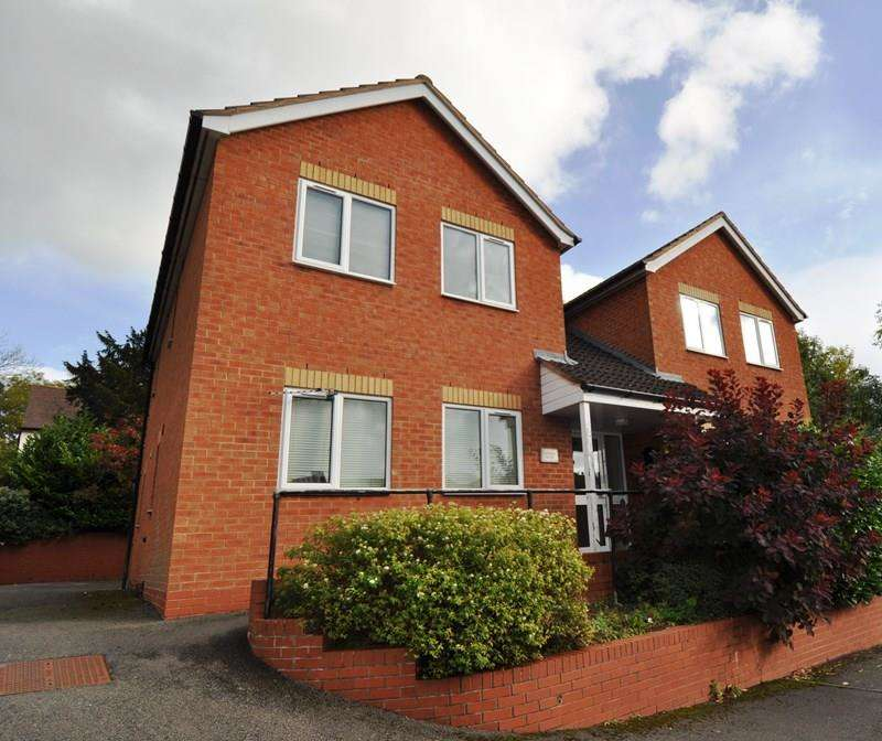 1 Bedroom Flat for sale in Well Close, Crabbs Cross, Redditch