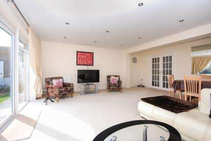 4 Bedrooms Detached House for sale in Wootton Bridge, Ryde, Isle Of Wight