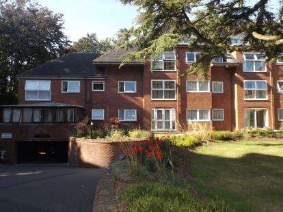 2 Bedrooms Retirement Property for sale in Poole, Dorset