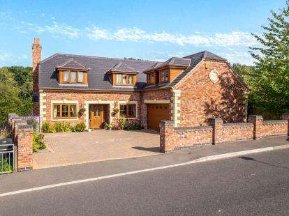 4 Bedrooms Detached House for sale in Church Lane, Underwood, Nottingham, Nottinghamshire