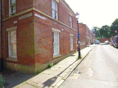2 Bedrooms Flat for sale in Frenchwood Street, Preston, Lancashire