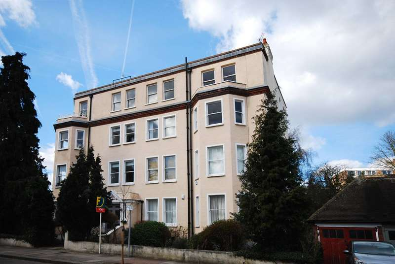 2 Bedrooms Flat for sale in Putney Heath Lane, Putney, SW15