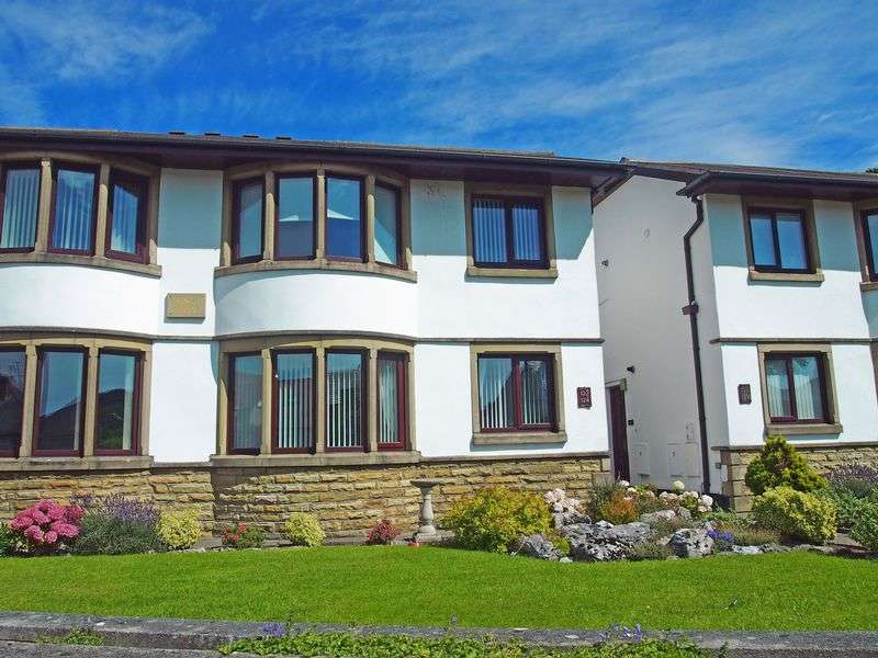 2 Bedrooms Flat for sale in Bare Lane, Morecambe