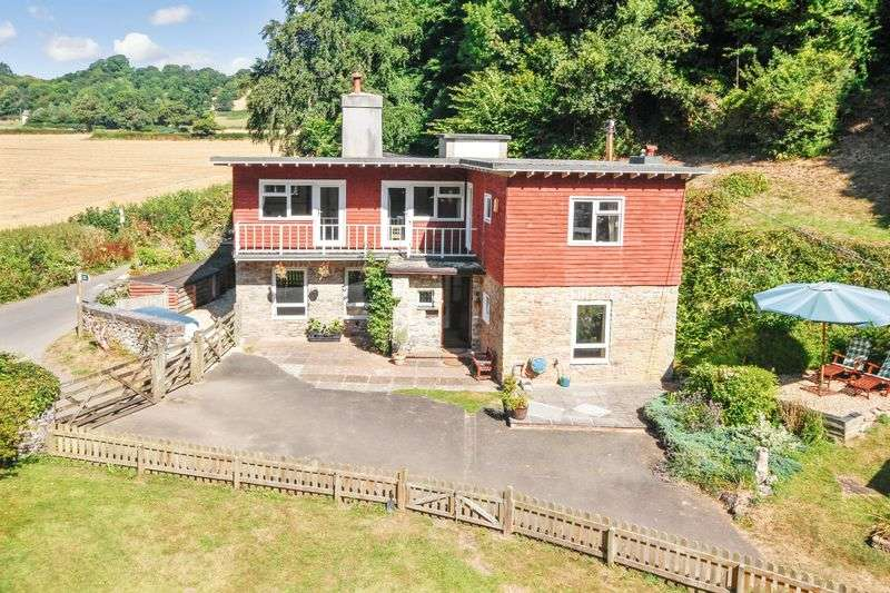 5 Bedrooms Detached House for sale in Newton Abbot