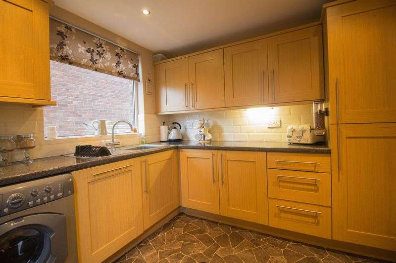 3 Bedrooms Semi Detached House for sale in Rydal Crescent, Winlaton
