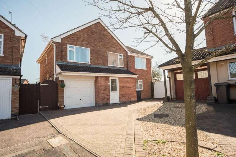 5 Bedrooms Detached House for sale in Larkin Close, Bulkington, Warwickshire, CV12