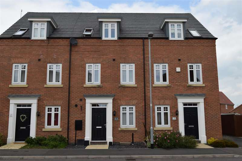3 Bedrooms Terraced House for sale in Deeke Road, Fernwood, Newark
