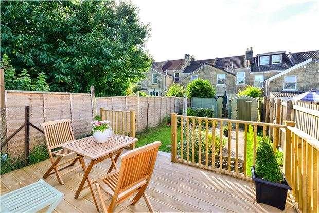 3 Bedrooms Terraced House for sale in Coronation Avenue, BATH, Somerset, BA2 2JU
