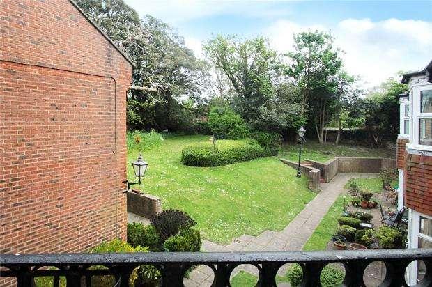 1 Bedroom Retirement Property for sale in Winterton Lodge, Goda Road, Littlehampton, West Sussex, BN17
