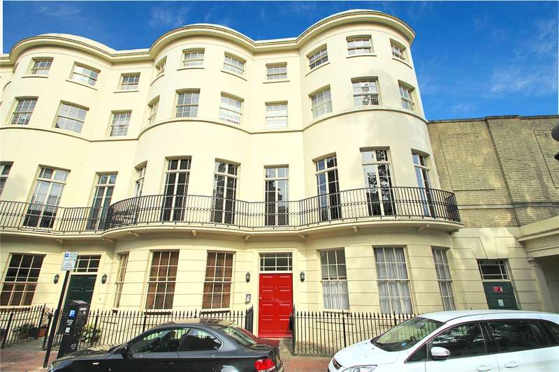 2 Bedrooms Apartment Flat for sale in Alexander Terrace, Worthing, West Sussex, BN11