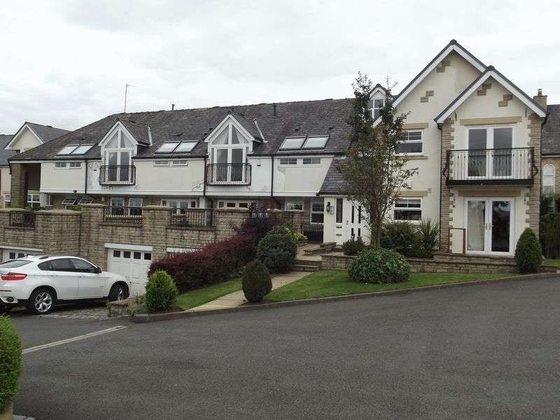 4 Bedrooms Flat for sale in Birtle Road, Bury