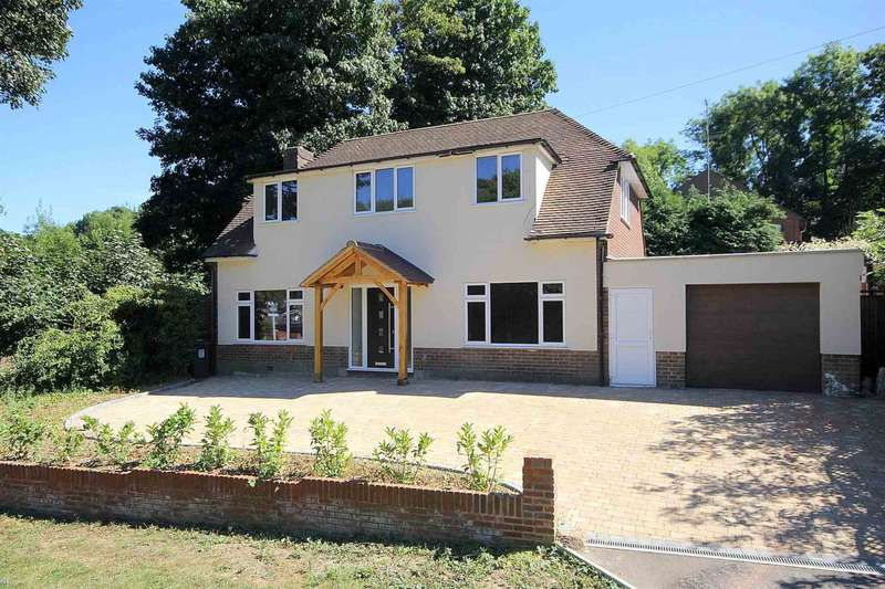 5 Bedrooms Detached House for sale in REFURBISHED and totally redecorated detached family home