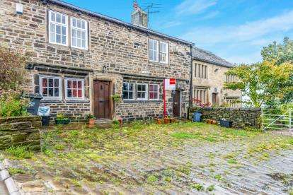 2 Bedrooms Terraced House for sale in Royd Towngate, Sowerby, West Yorkshire